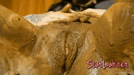 Animal Magnetism Girl In The Shit! (SweetBettyParlour (DirtyBetty)) Scat / Enema [FullHD 1080p] Scatshop