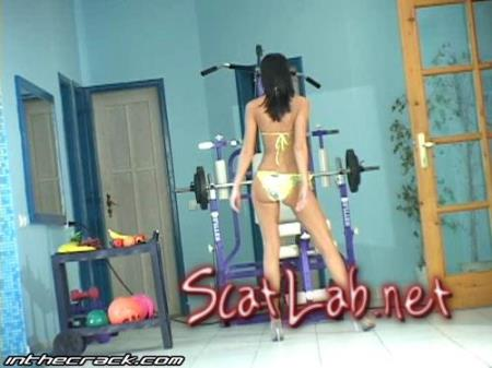 10 Poolsidestrut (Brittany Stone) Scat / Solo [SD] Scat