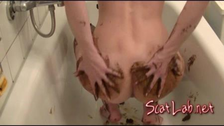 Caviar Shower Cream (Maria Devot) Scat / Austria [FullHD 1080p] Amarotic