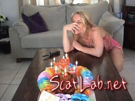 Mega Birthdaycake (Ana Didovic) Solo Scat, Shitting, USA [SD] AnaDidovic