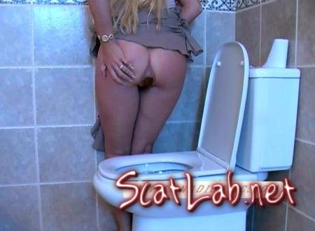 Standing Toilette (Ana Didovic) Solo Scat / Netherlands [SD] DatingRealGirls