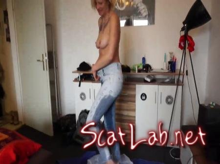 Shit in the pants (ScatSusan) Amateur, Jean Pooping [HD 720p] Solo Scat