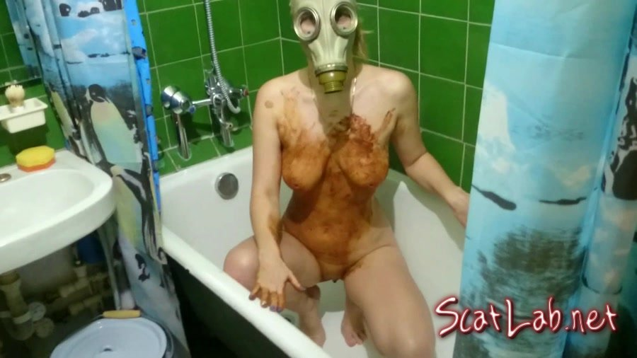 Smearing shit in a gas mask (Brown Wife) Boobs, Homemade [FullHD 1080p] Stars Scat