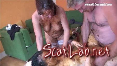 Massage Scat Parlour 2 (Betty, Victoria)  [HD 720p] DirtyScat
