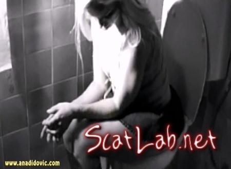 Black And White (Ana Didovic) Solo Scat / Netherlands [SD] DatingRealGirls